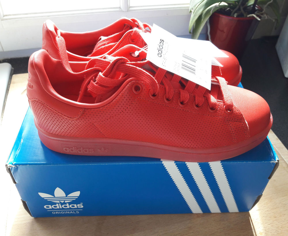Baskets Adidas Stan Smith Adicolor rouges, neuves 55 Orgeval (78)