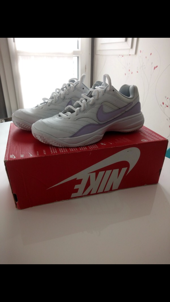 Baskets Nike femme 35 Calais (62)