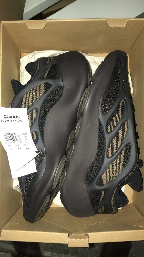baskets Yeezy 700 avec étiquette avec facture à l'appu 270 Ris-Orangis (91)