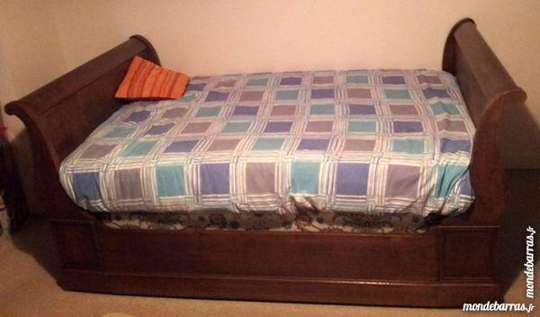 lits occasion dans le morbihan 56 annonces achat et vente de lits paruvendu mondebarras page 8. Black Bedroom Furniture Sets. Home Design Ideas