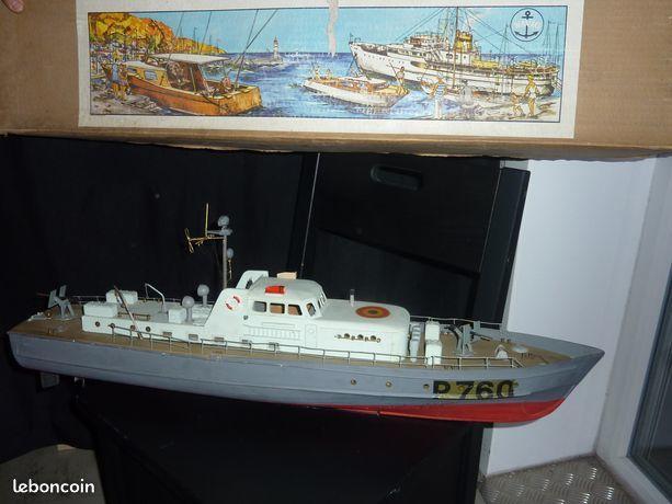 Bateau   maquette ancienne 100 Annecy (74)
