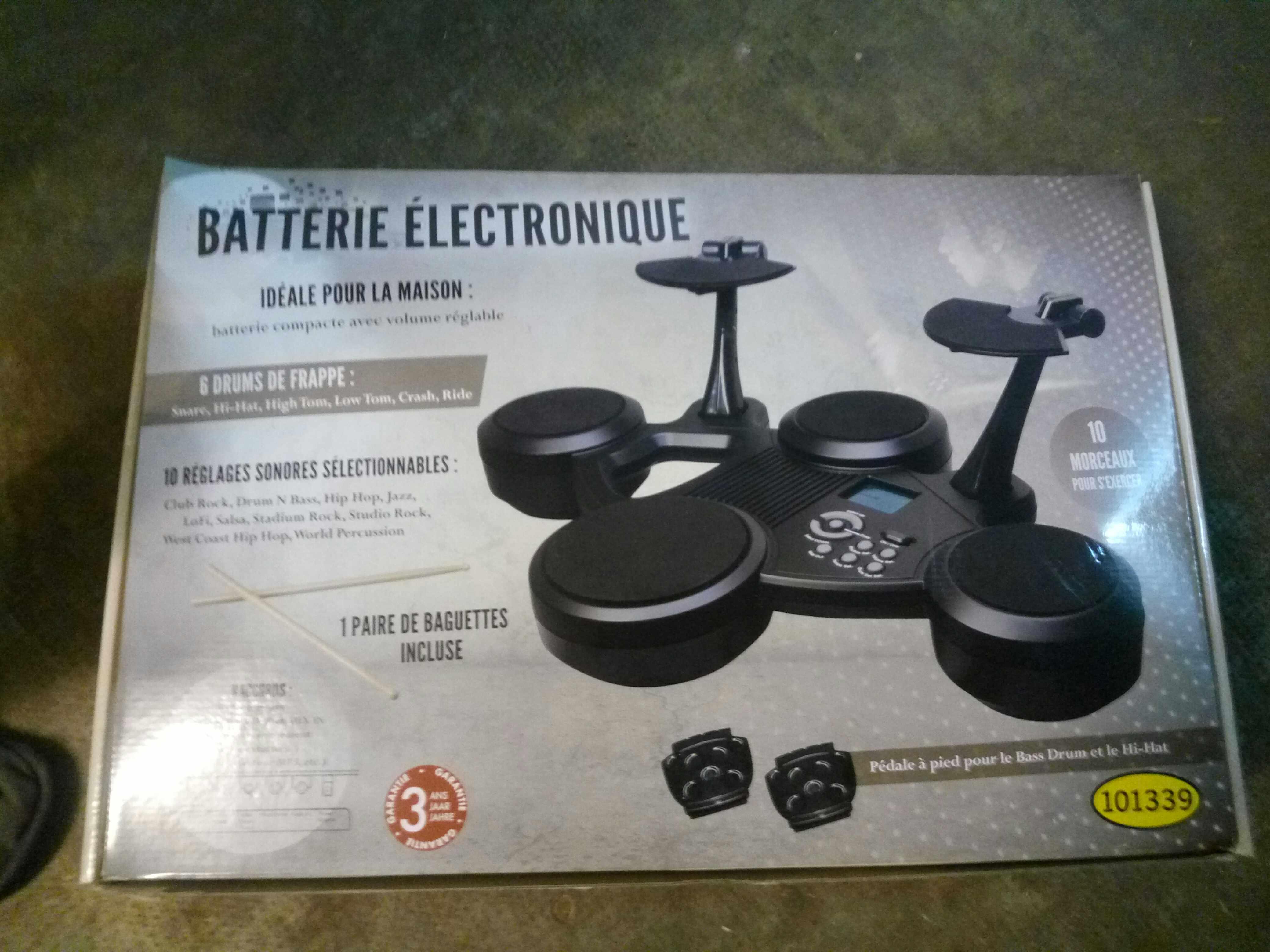 batteries lectroniques occasion en midi pyr n es. Black Bedroom Furniture Sets. Home Design Ideas