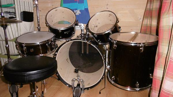 cymbales occasion en haute savoie 74 annonces achat et vente de cymbales paruvendu mondebarras. Black Bedroom Furniture Sets. Home Design Ideas
