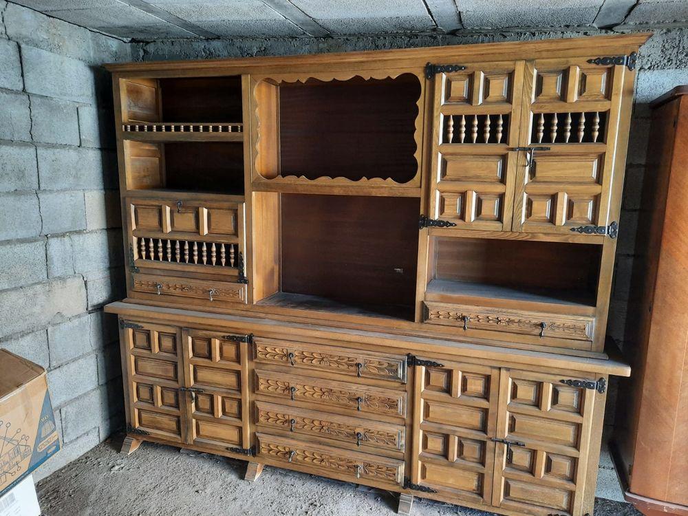 beau buffet double corps de style rustique / vaisselier 200 Nîmes (30)