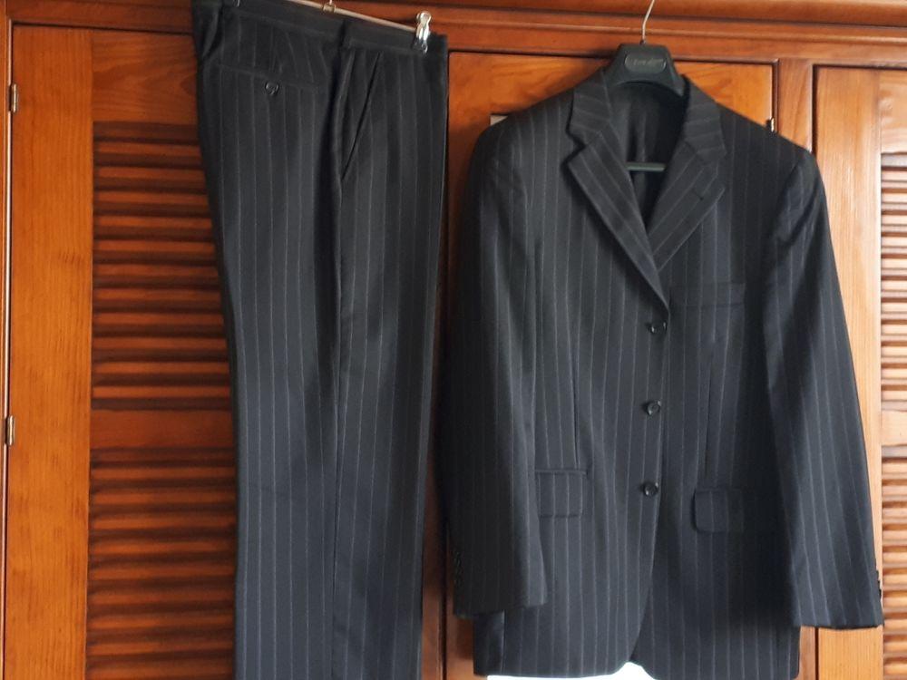 Beau costume EMPORIO en laine  - 50/42 - EXCELLENT ÉTAT 140 Villemomble (93)