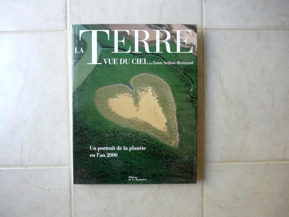 Beau Livre La Terre vue du Ciel de Yann-Arthus Bertrand  15 Troyes (10)