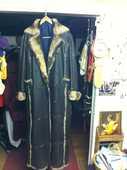 beau manteau dame long en peaux fine double lapin en t.40/42 350 Cannes (06)