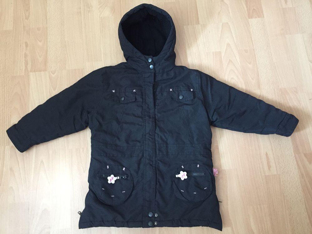 Beau manteau noir T.4 ans TBE 8 Saint-Chinian (34)