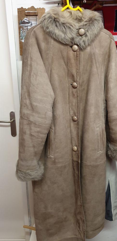 Beau manteau en peau de mouton retourné femme 55 Faches-Thumesnil (59)
