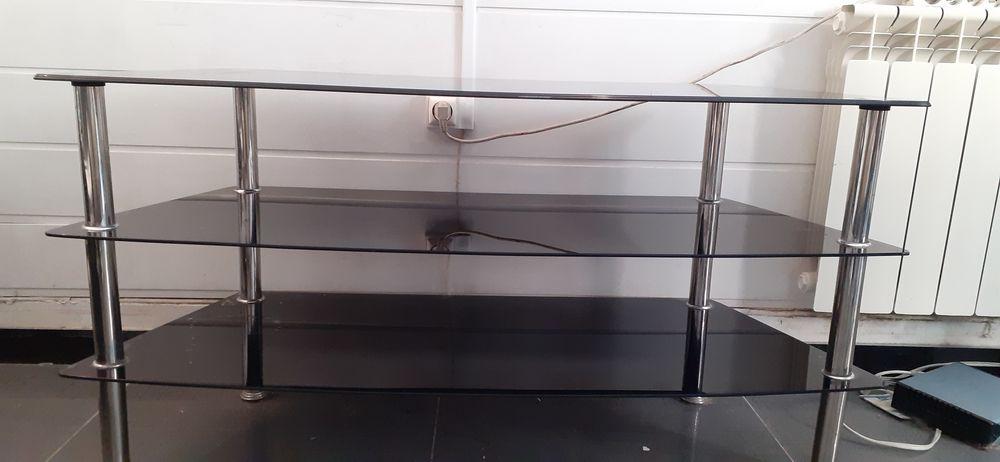 Beau meuble TV en verre. 8 Mons-en-Barœul (59)