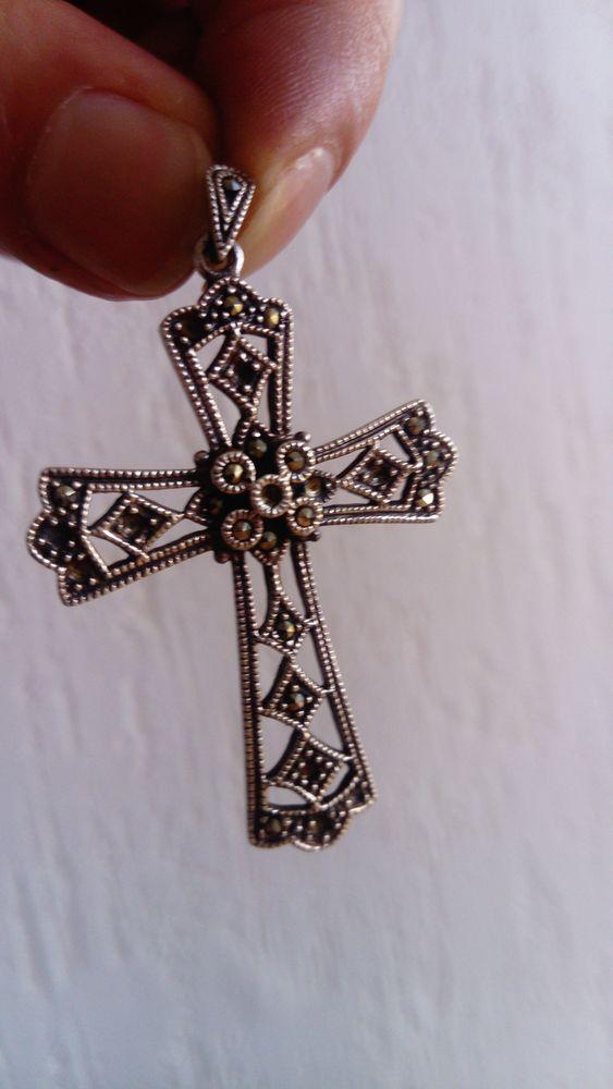 Beau pendentif croix argent 35 Toulouse (31)