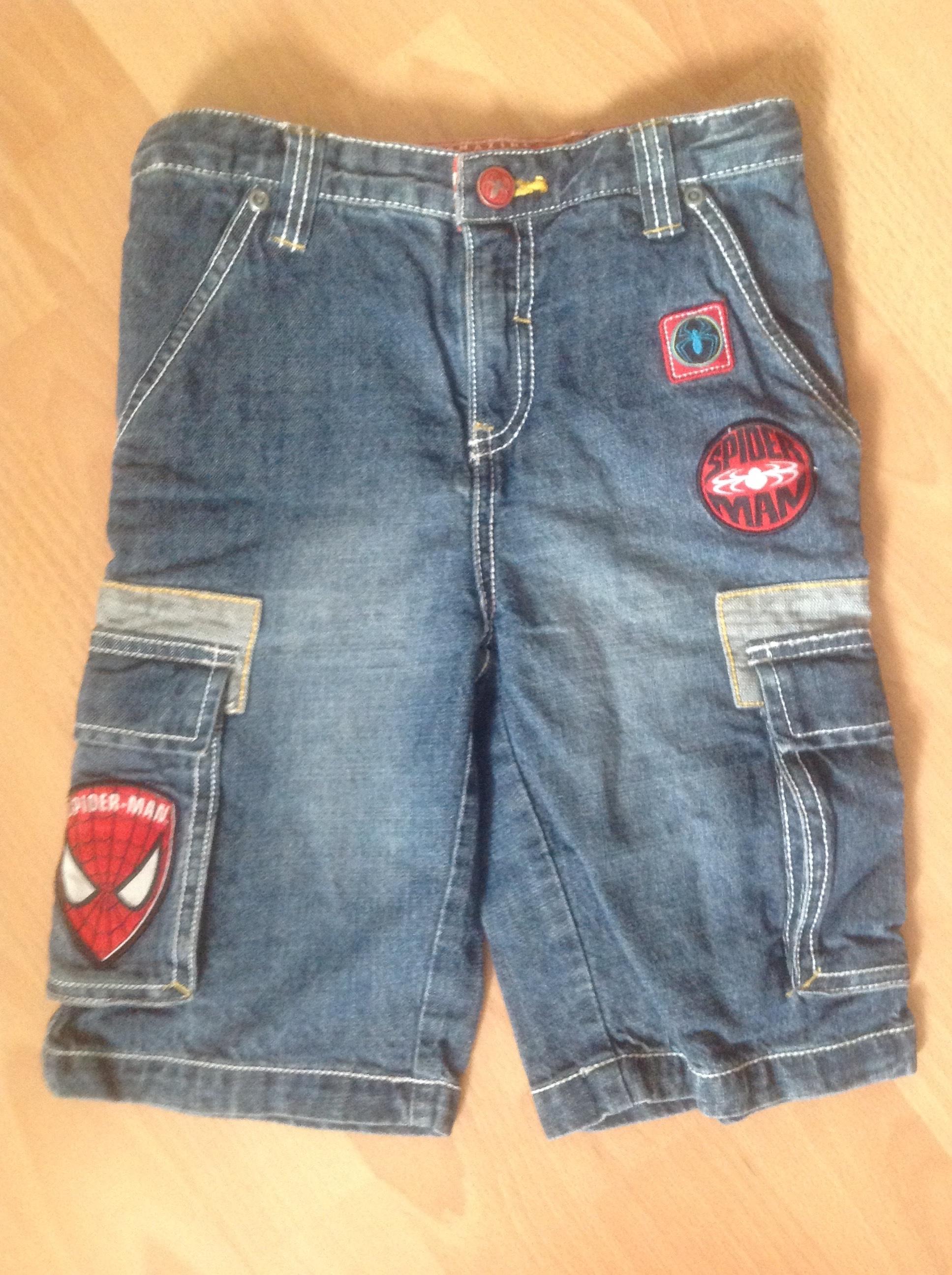 beau short en jean bleu SPIDERMAN T. 6 ans garçon TBE 2 Saint-Chinian (34)