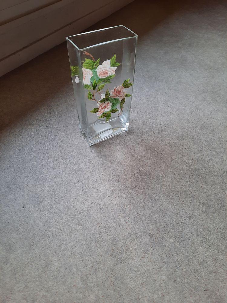 Beau vase neuf en verre,dernier prix ! 40 Saint-Dizier (52)