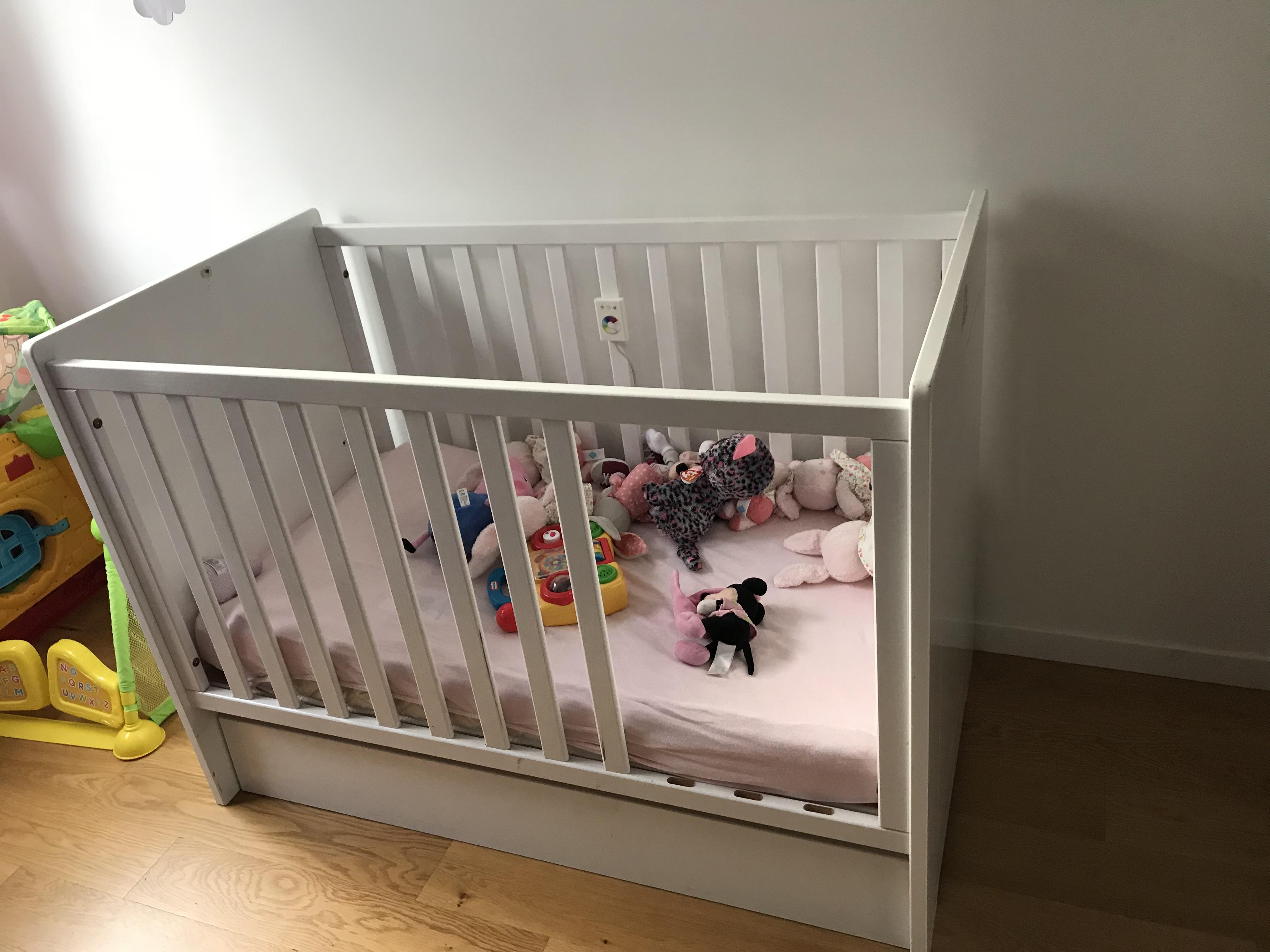 lits b b occasion dans le val de marne 94 annonces achat et vente de lits b b paruvendu. Black Bedroom Furniture Sets. Home Design Ideas
