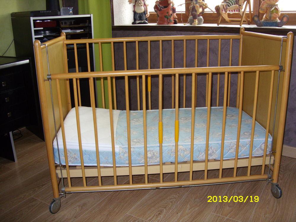 meubles enfants occasion dans les ardennes 08 annonces achat et vente de meubles enfants. Black Bedroom Furniture Sets. Home Design Ideas