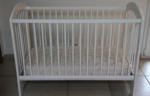 lit bebe natalys blanc. Black Bedroom Furniture Sets. Home Design Ideas