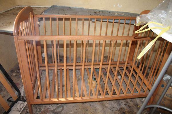 lit bébé en bois  50 Forbach (57)