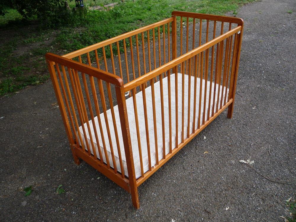 Lit bébé/enfant  123,5cm x 65cm h 86,5cm 35 Castres (81)