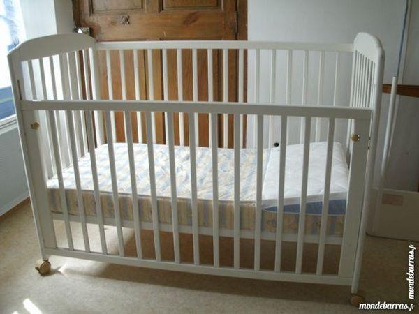 lit bébé trois positions 200 Brignoles (83)