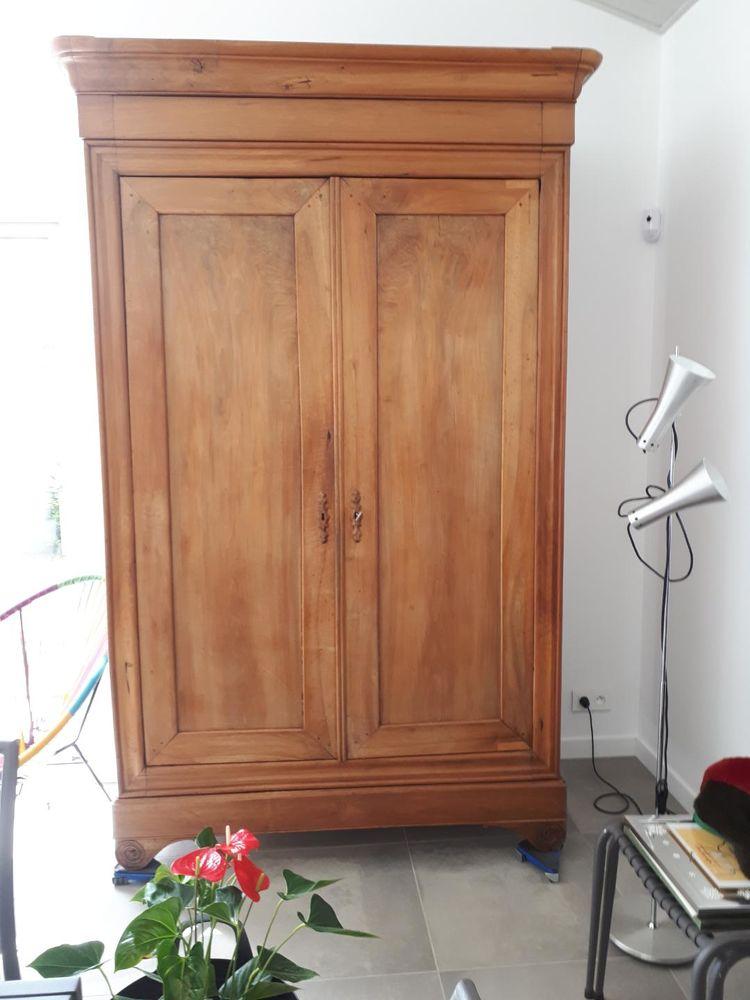 belle armoire centenaire en bois massif blond doré 150 St Brevin L Ocean (44)