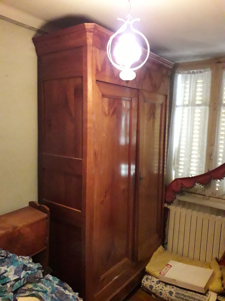 Belle armoire d'époque en bois de loupe, parfaite état 800 Conquereuil (44)