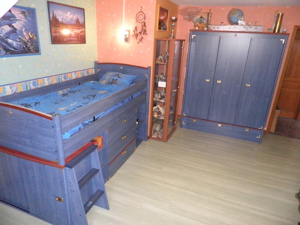 Belle chambre style marin bureau étagères commode .... Mobilier enfants