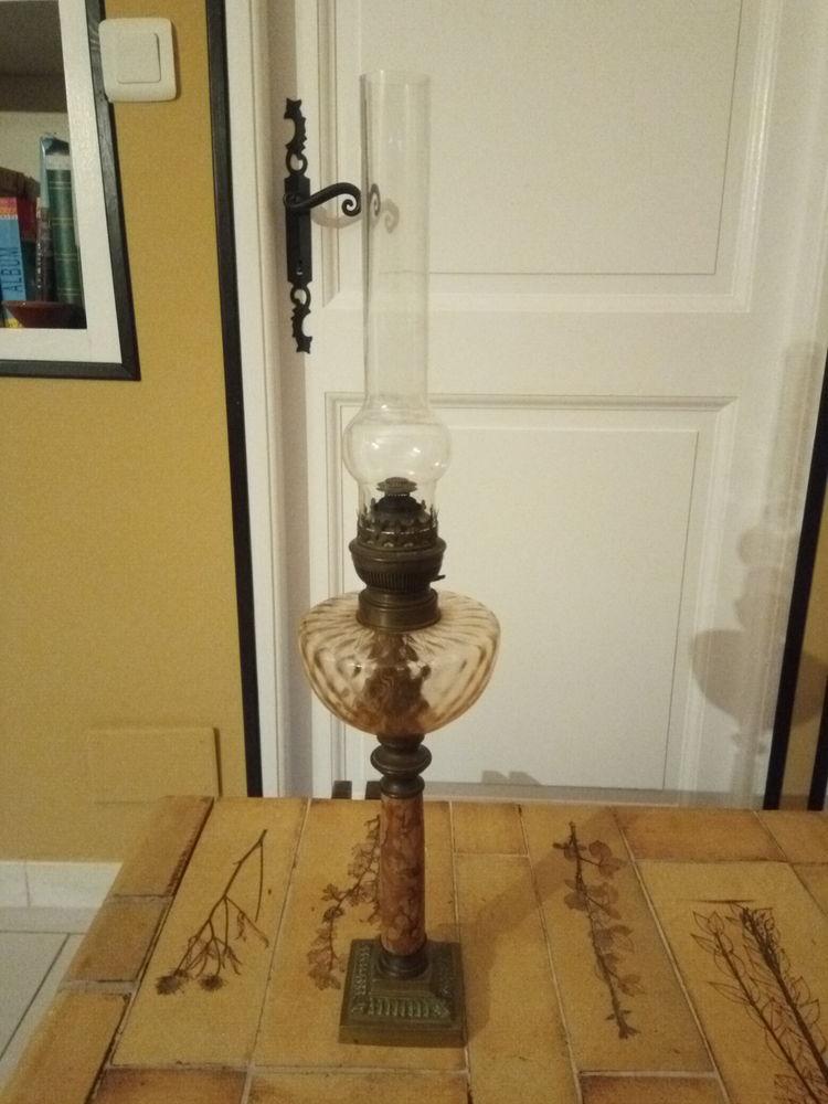 Belle et élégante lampe à pétrole 30 Marguerittes (30)