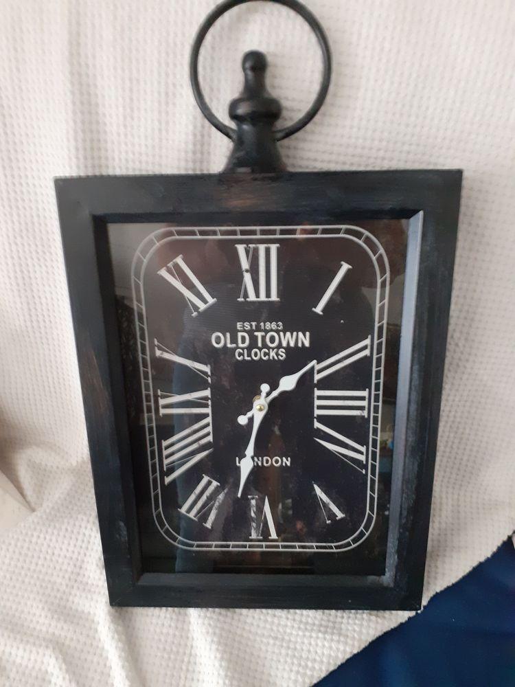 Belle horloge anglaise  20 Périgueux (24)