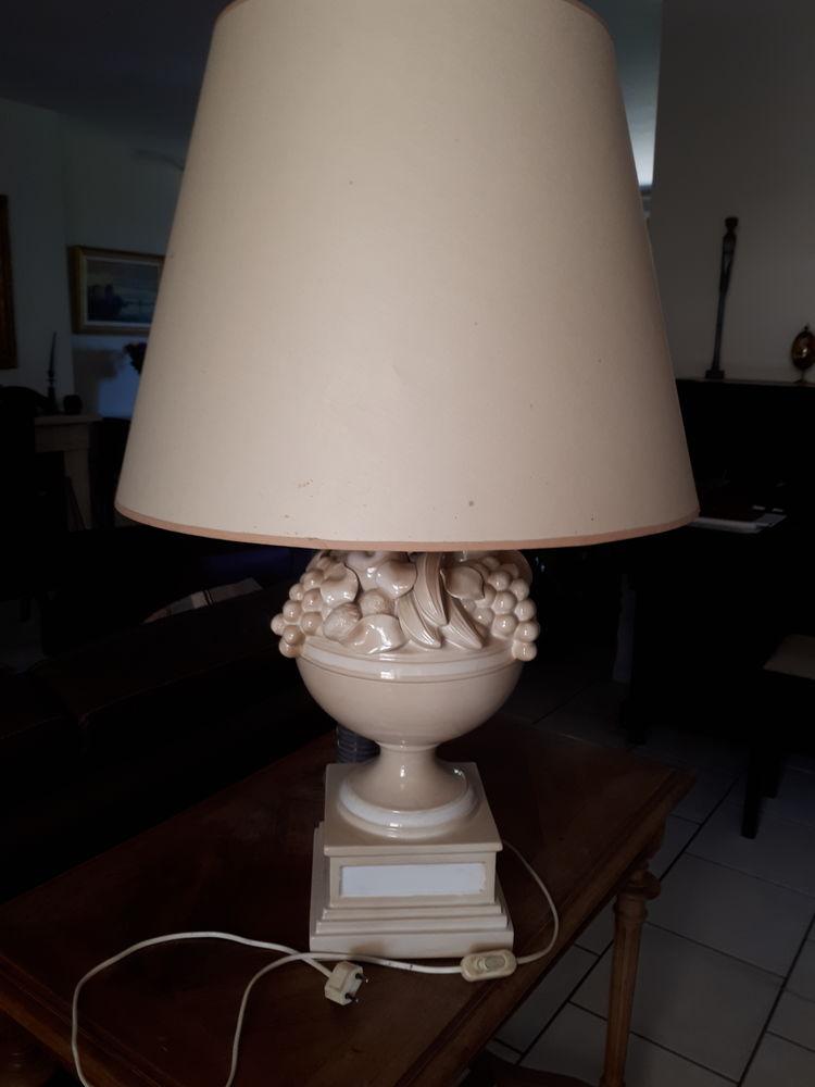 belle lampe modèle coupe de fruits 90 Aubagne (13)