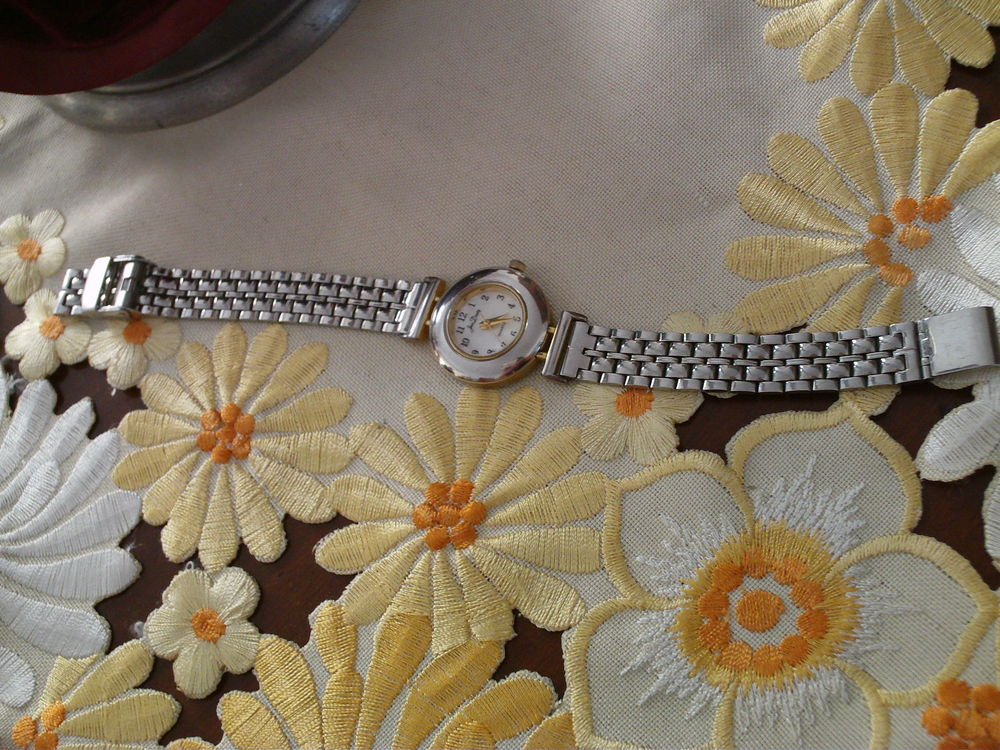 Belle montre de marque Jean Dandy N° 1014 30 Beaune (21)