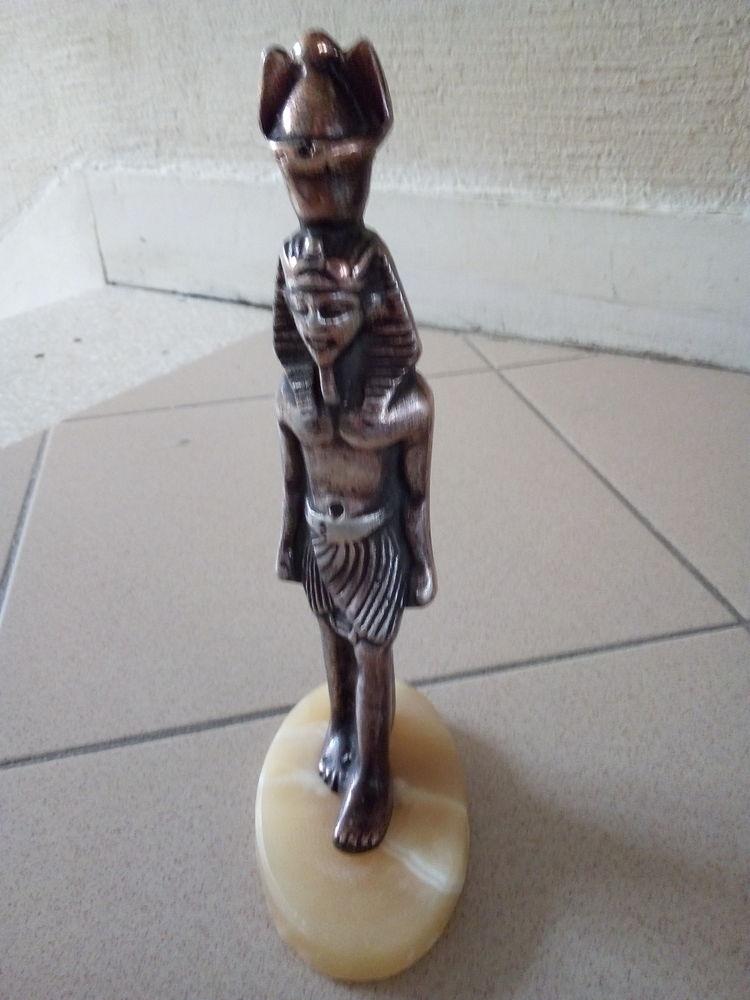 Belle statuette égyptienne de pharaon  8 Savigny-sur-Orge (91)
