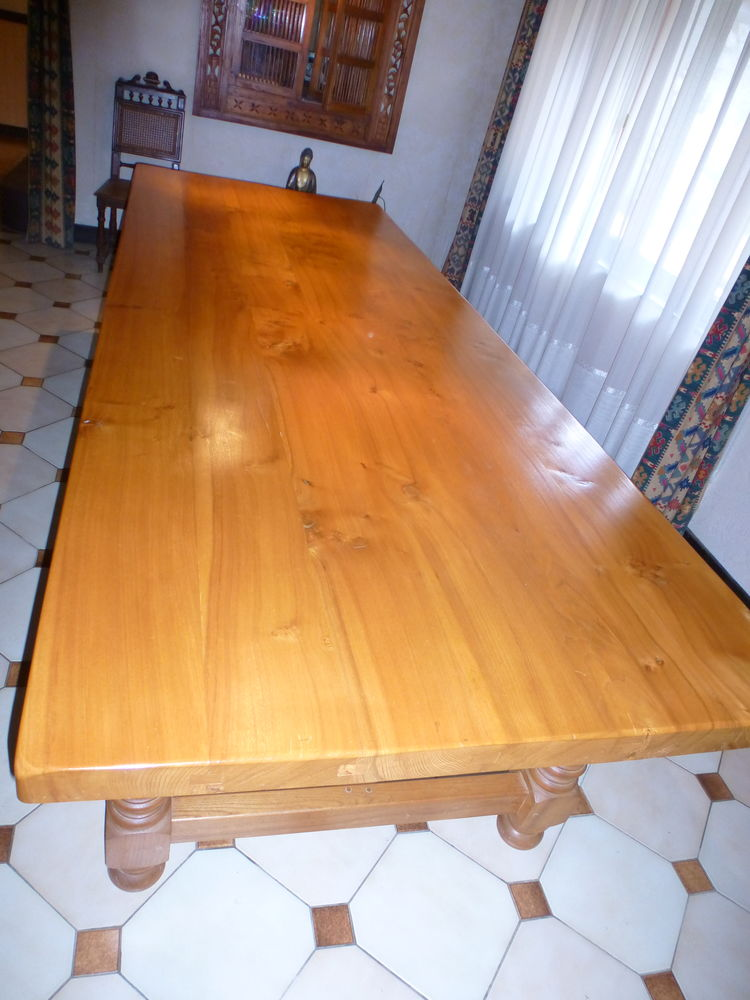 Belle table campagnarde Meubles