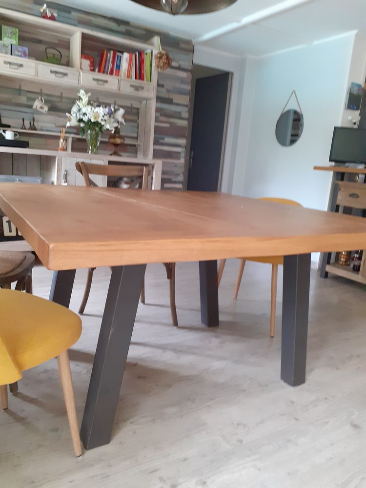Belle table en chêne massif 1600 Pélissanne (13)