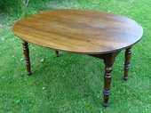 Belle table ovale en noyer d'époque Louis-Philippe 300 Chaumes-en-Brie (77)