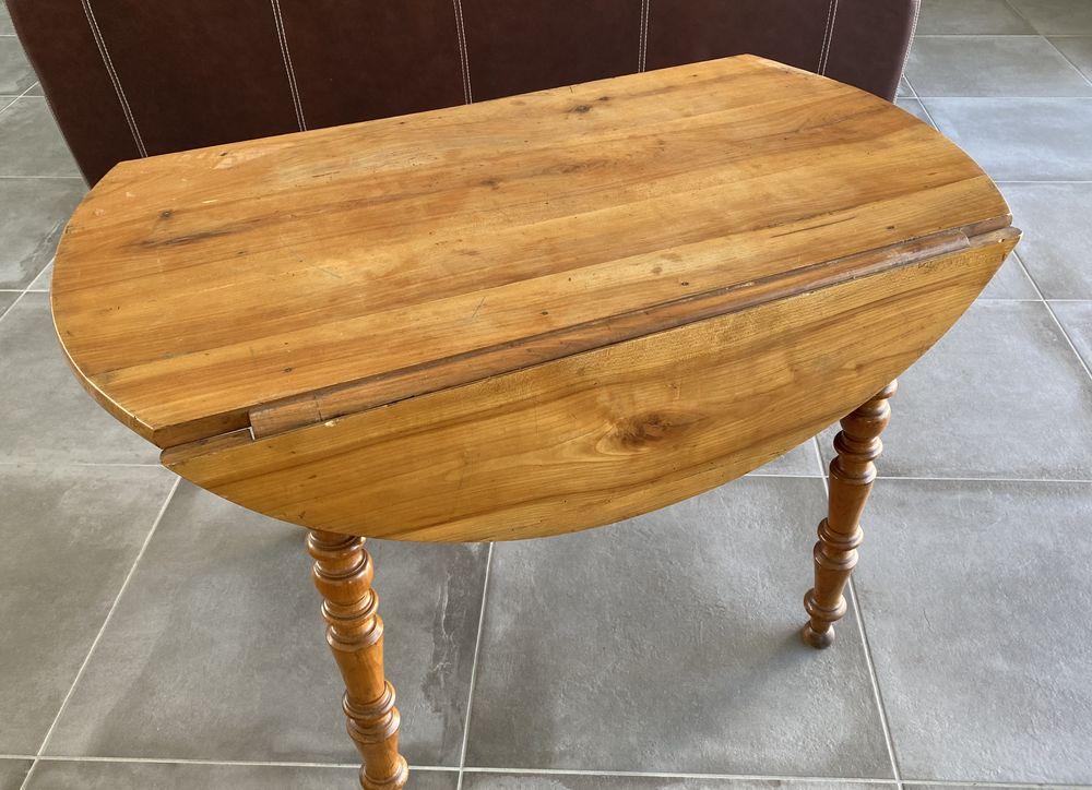 Belle table ronde en bois de cerisier 100 Gujan-Mestras (33)