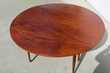 Belle table ronde 6 pieds fuseaux en acajou, extensible Meubles