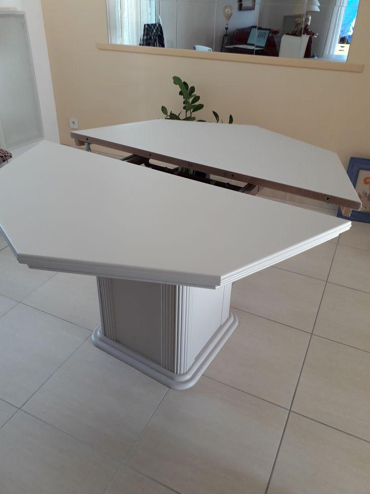 Belle table salle à manger 150 Saint-Estève (66)