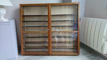 Belle vitrine en bois; portes en verre 130 Bonsecours (76)