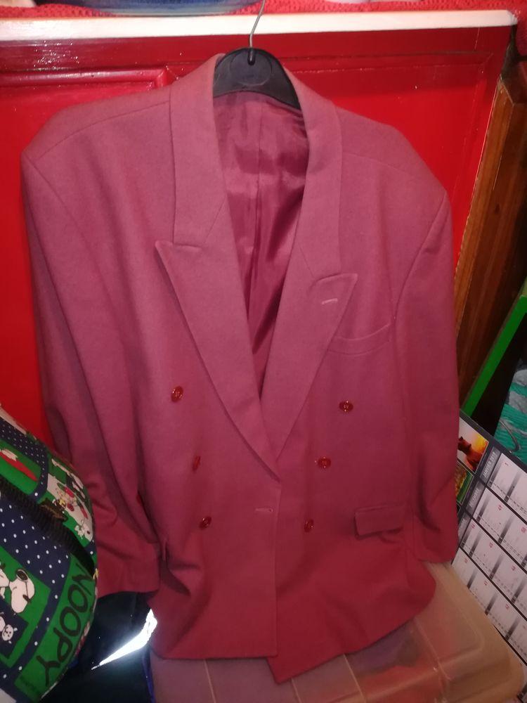 Lot de 3 belles vestes 15 Pantin (93)