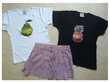 10 ans - 2 bermudas - 2 T. shirts - 1 jupe - zoe Vêtements enfants