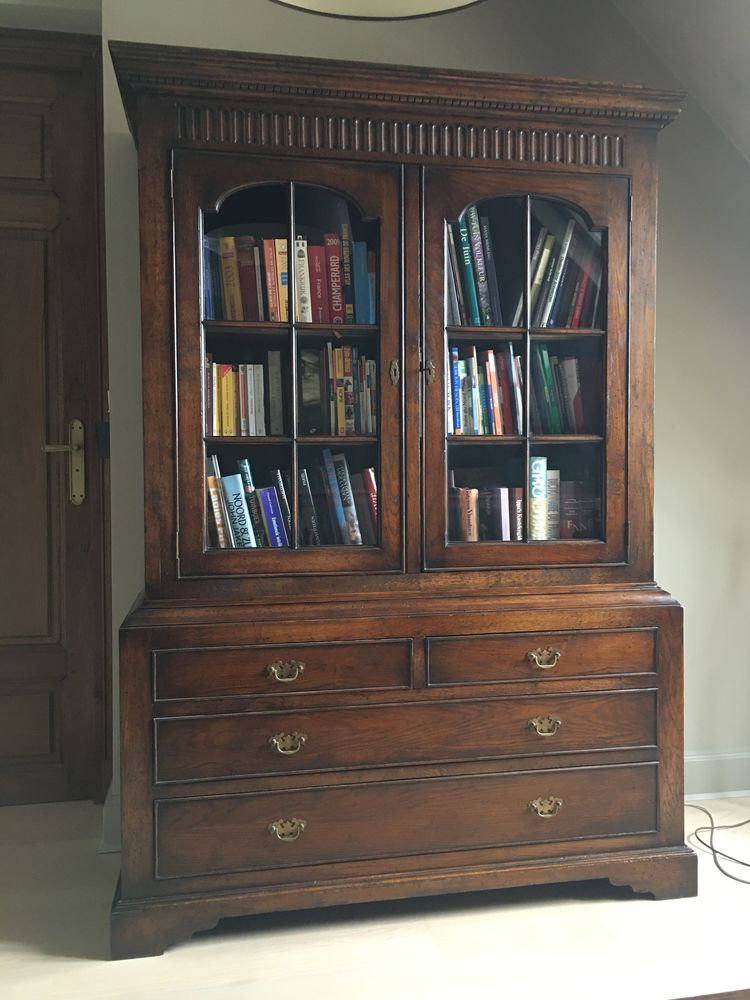 Bibliothèque en bois massif. 500 Aigremont (78)