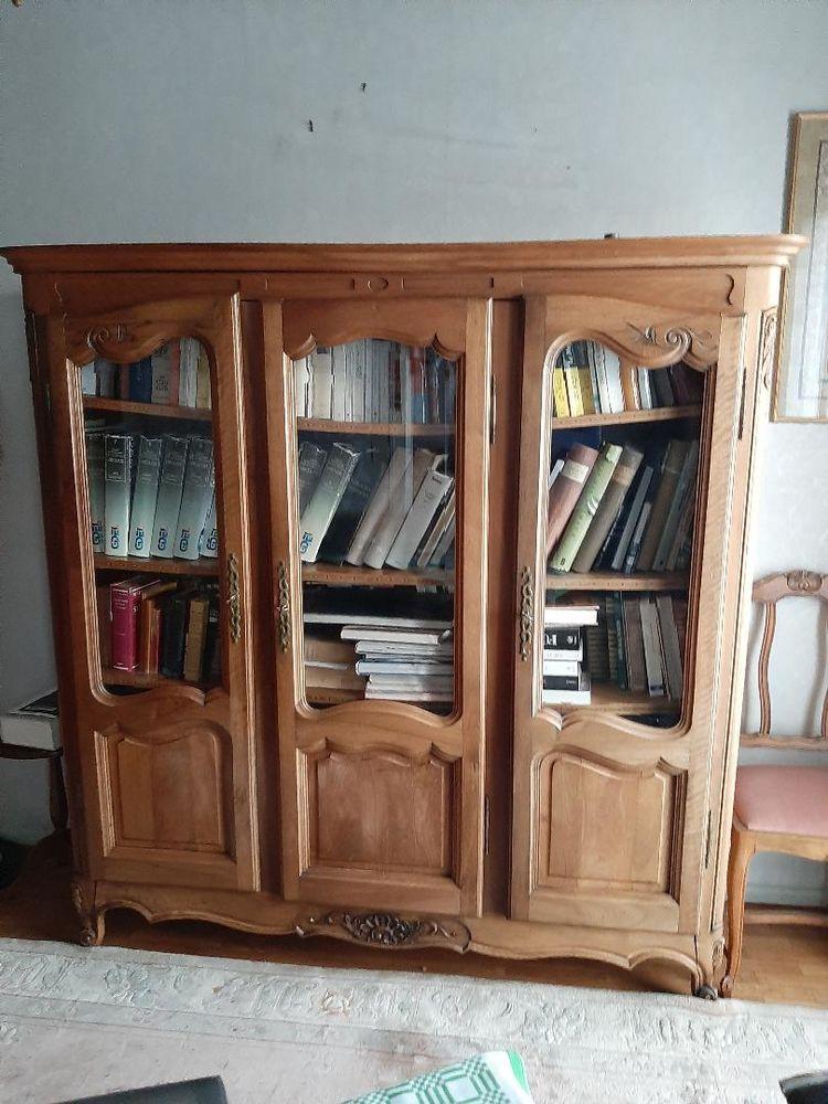 BIBLIOTHEQUE EN NOYER MASSIF 200 Montrouge (92)