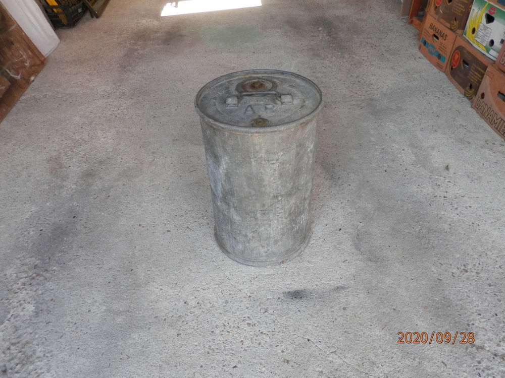 Bidon pour produit petrolier ou autre grave a r 000048 tona 45 Razac-sur-l'Isle (24)