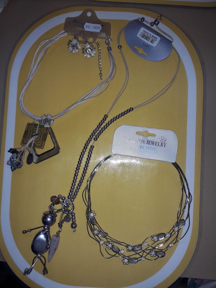 Bijoux Fantaisies Lot N° 9 Bijoux et montres