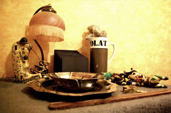Bimbelotterie : ensemble en caisse  bric-à-brac  60 Rennes (35)