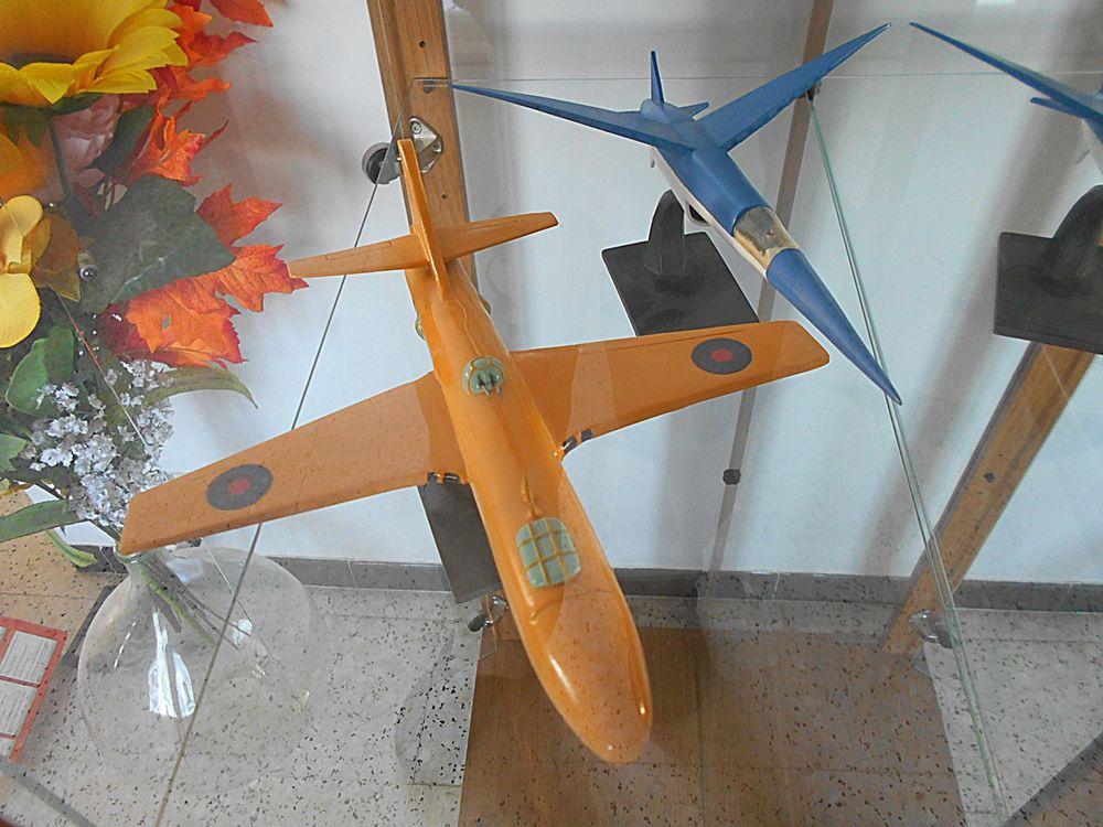 BD Blake et Mortimer - Avions modèles réduits 7 Caromb (84)