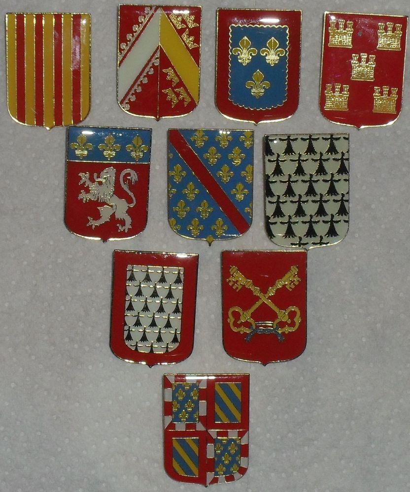 Lot de 10 BLASONS sous forme de Pin's des Editions Atlas. 25 Montreuil (93)