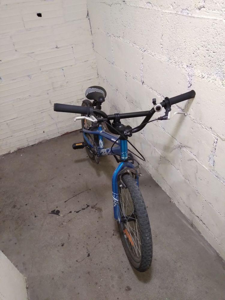 BMX bleu 80 Ermont (95)