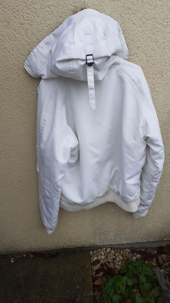 Un  blouson blanc très chaud marque Beffen 25 Lamotte-Beuvron (41)