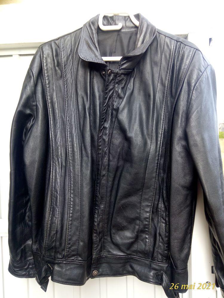 Blouson cuir noir taille M 30 Bourseville (80)